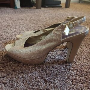 Madden Girl Shoes - Madden girl sparkly gold sling back chucky heels